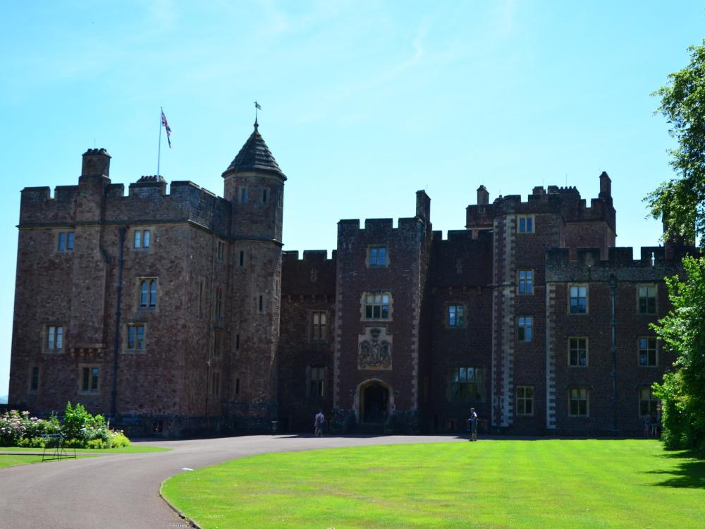Why People Should Visit Dunster Castle?